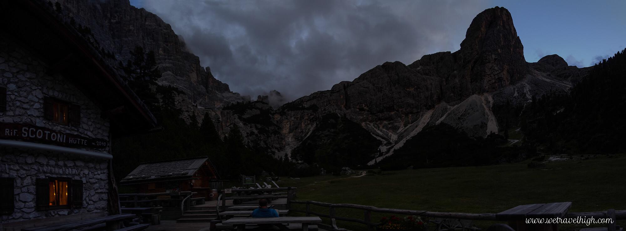 Panoramica notturna dal Rifugio Scotoni